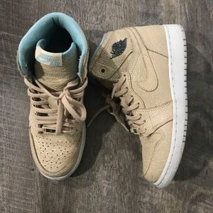 Jordan Retro 1 Size 5Y